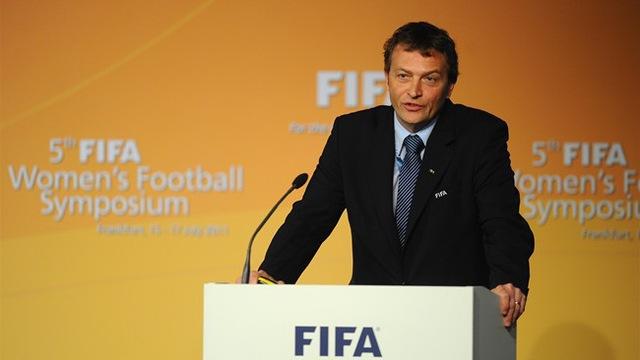 Quy định của FIFA về luật việt vị