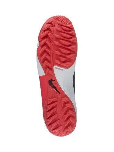 Cách chọn giày đá bóng cho từng mặt sân
