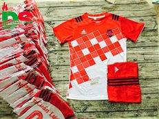 Áo bóng đá không logo đỏ caro